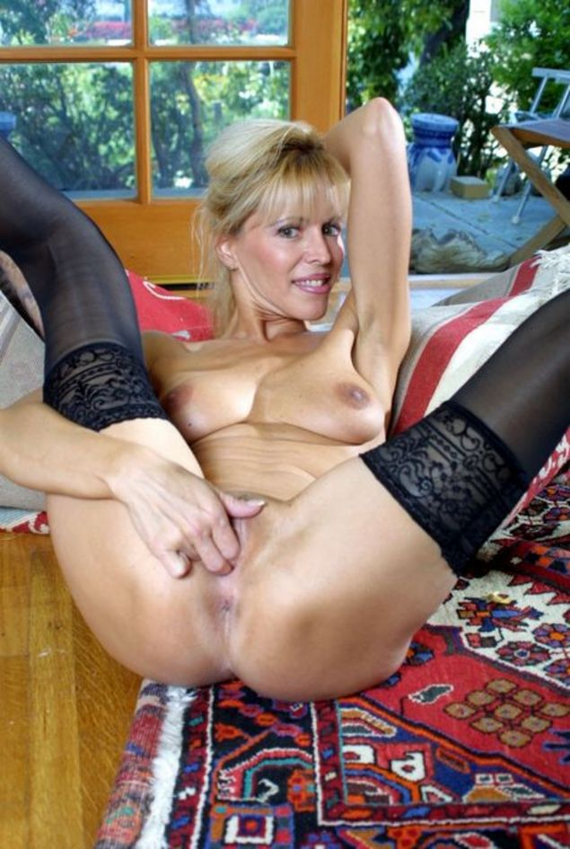 Hefty horny mature women with you