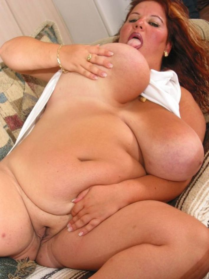 Chunky hot chick nude