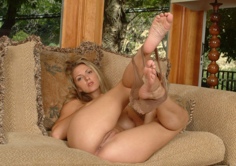 Finland women nude feet
