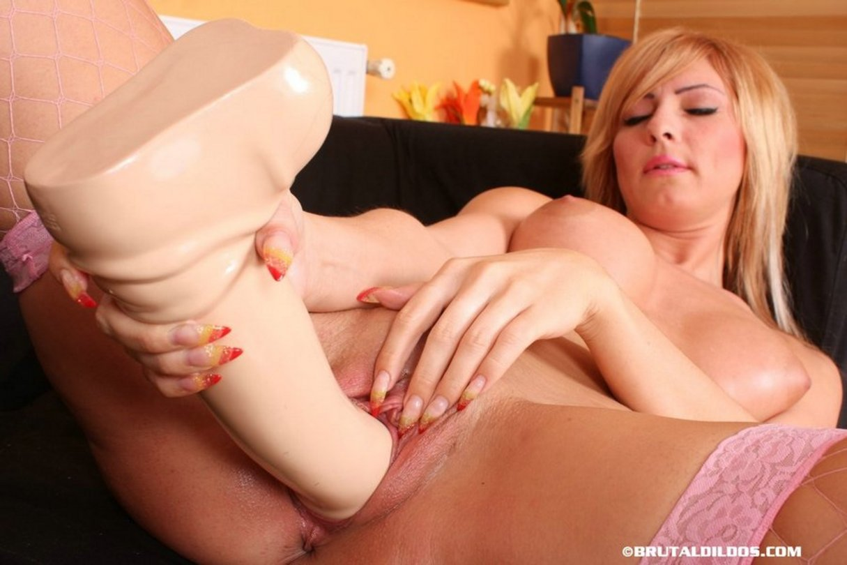 Dildo going into vagina pics 540