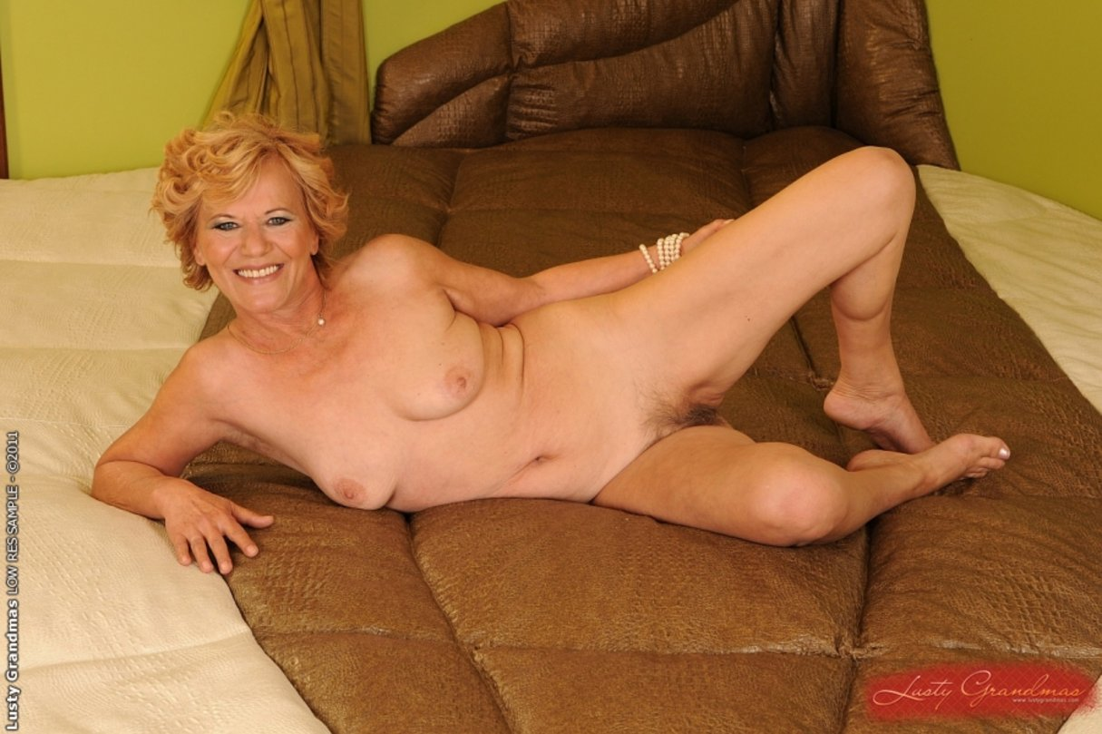 women older female nudes
